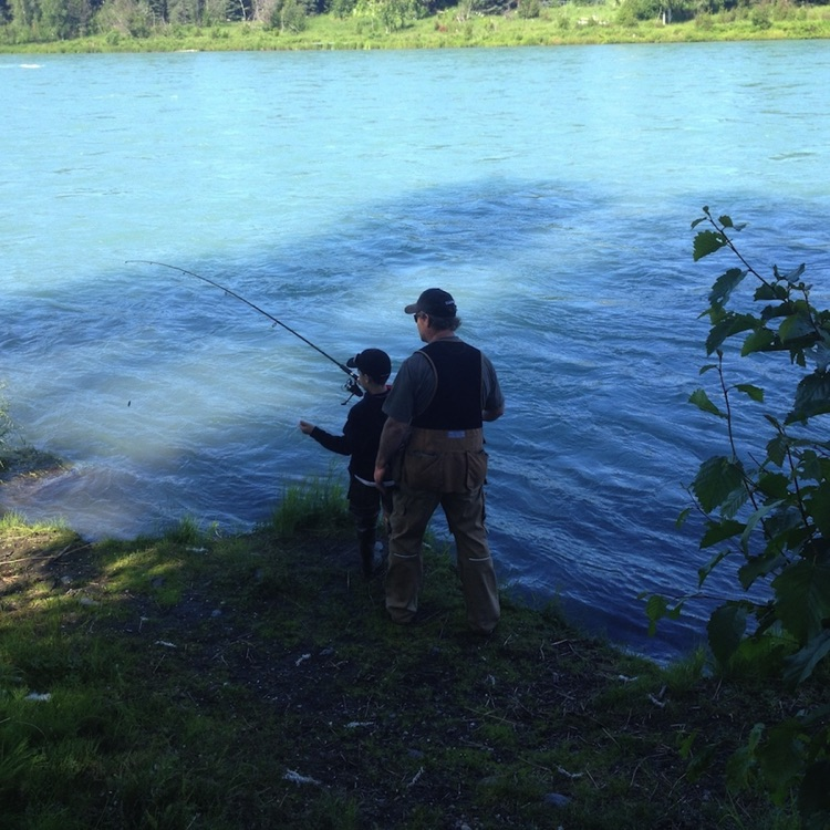 Photos alaska kenai river alaska river cabin for Kenai river fishing lodges